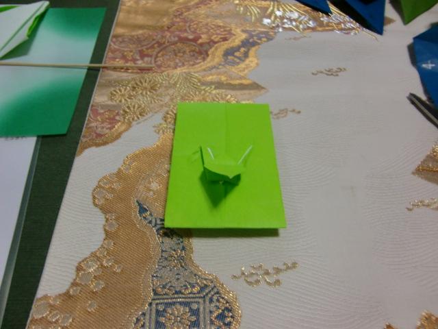 おりました。お正月用の飾り鶴を_a0125981_20565861.jpg