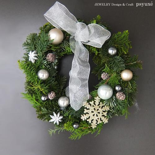 子供たちのクリスマスリース_e0131432_1052796.jpg