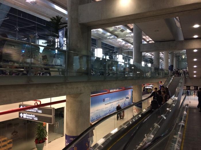 2013 12月 バンコク (2)  バンコク 到着。空港のフードコートやら_f0062122_2130673.jpg