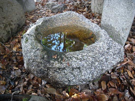 白川石製 水盤_f0183722_1461799.jpg