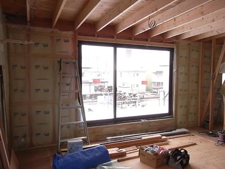 『プールサイドの家』 フローリング工事が進行中。_e0197748_1336465.jpg