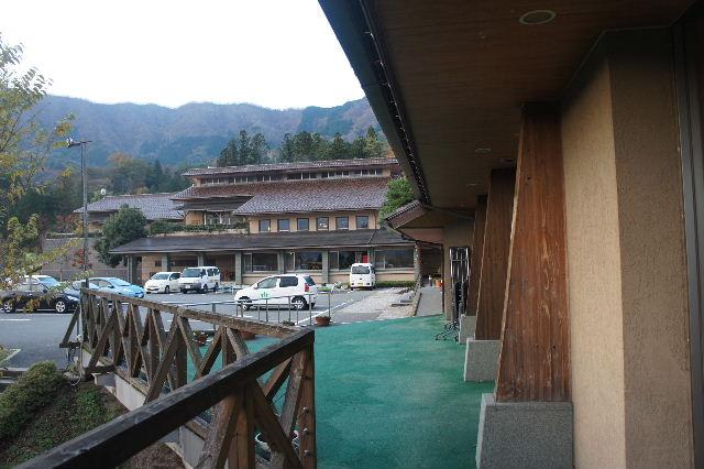 出雲の旅 (1) いわみ温泉 香遊館と香木の森公園_c0011649_9312545.jpg