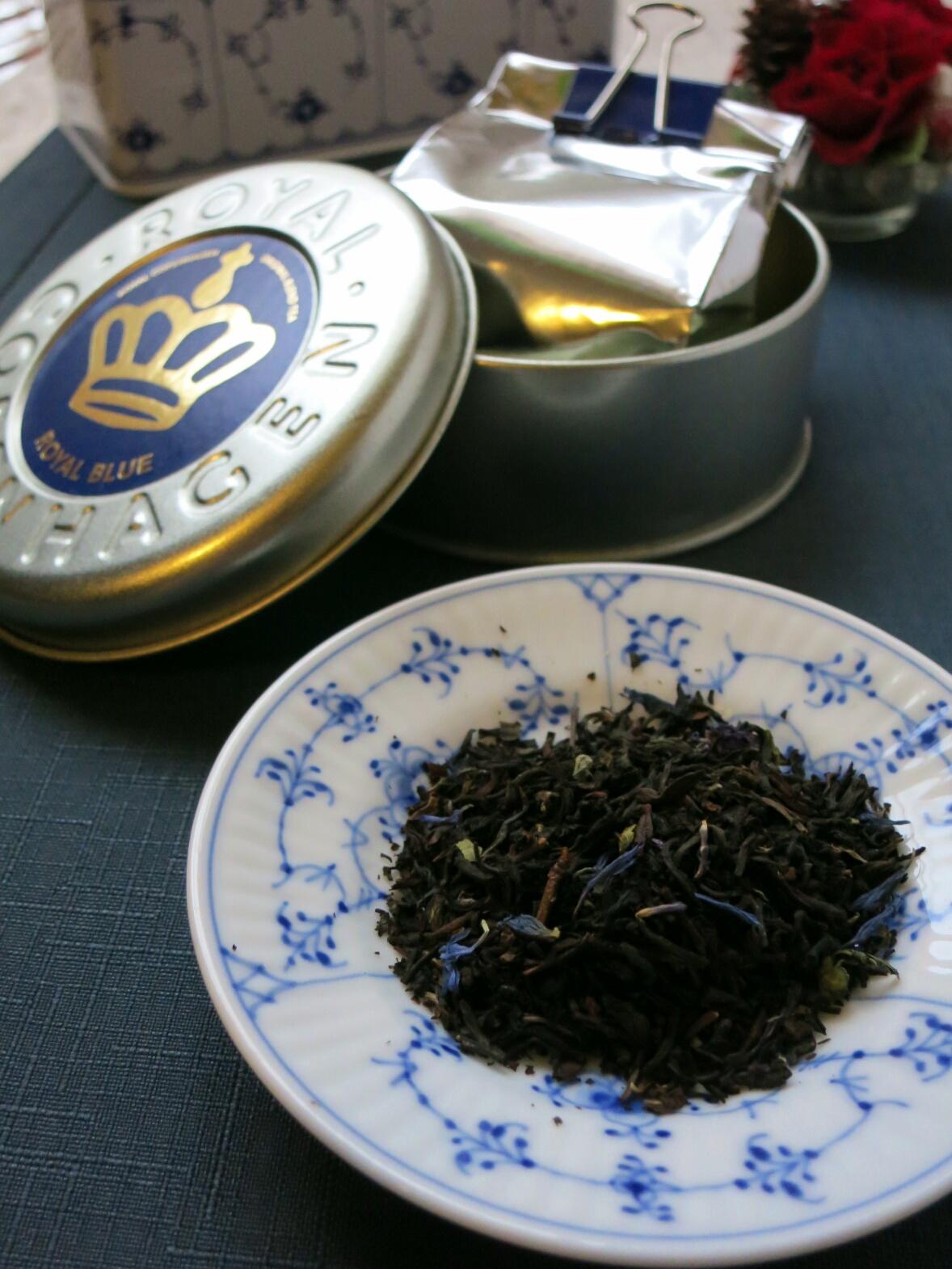 Rコペンハーゲンの紅茶缶~ふりこ茶房のふりこケーキ_f0236260_17345382.jpg