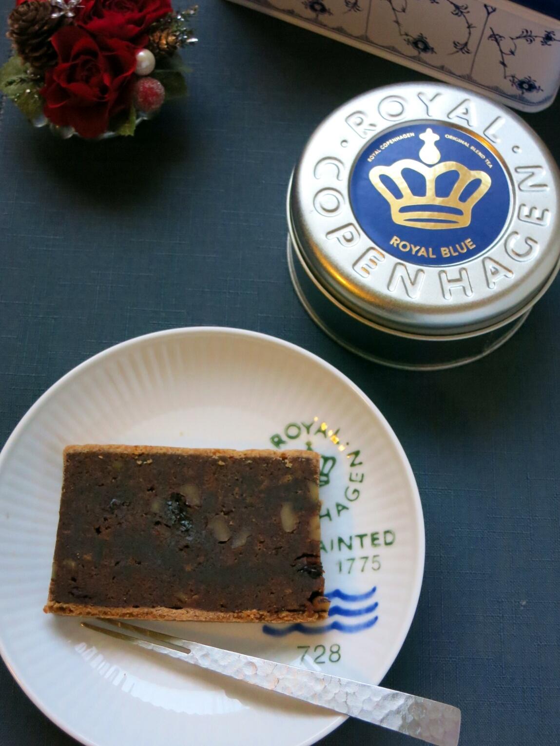 Rコペンハーゲンの紅茶缶~ふりこ茶房のふりこケーキ_f0236260_1737677.jpg