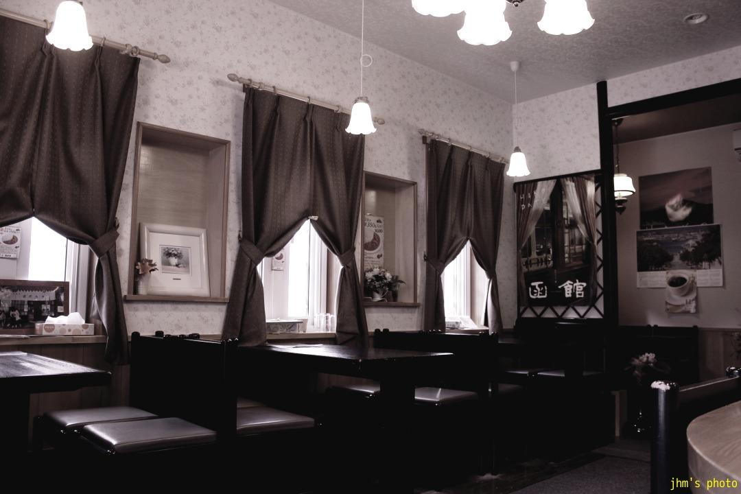 古建築物のカフェ_a0158797_23515164.jpg