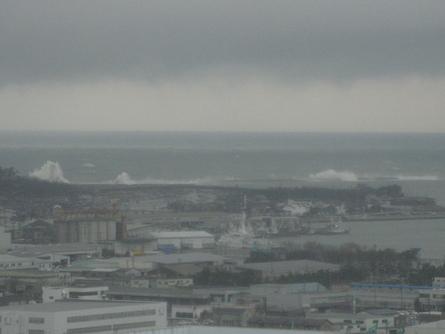 荒れる日本海、これぞ北陸の冬景色_f0281398_1810586.jpg