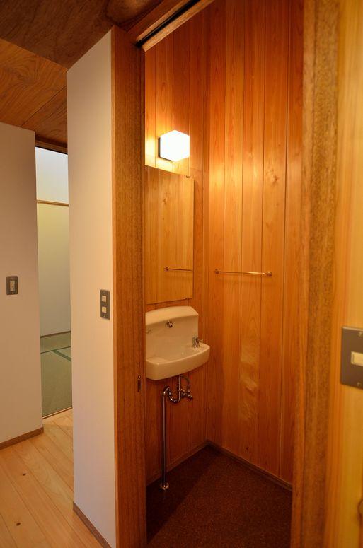 Fさんの家 「とりあえず」完成(5) トイレ_a0039934_17333258.jpg