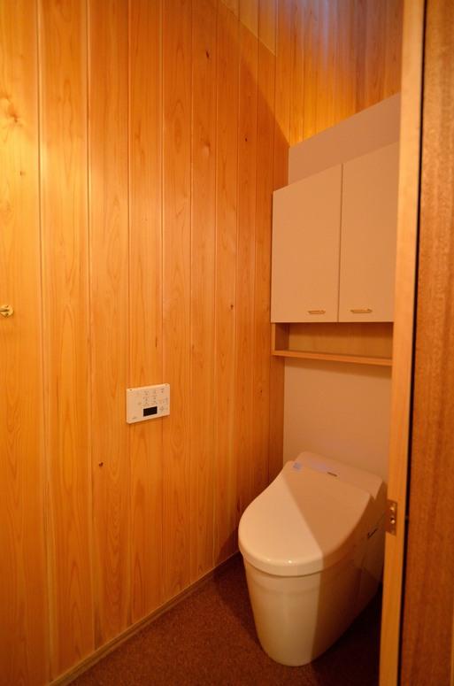 Fさんの家 「とりあえず」完成(5) トイレ_a0039934_17383520.jpg