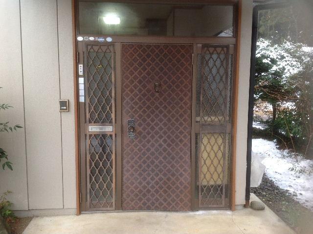 玄関ドア入れ替え工事_f0031037_19483148.jpg