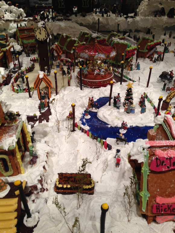 Gingerbread Village_b0135948_1110437.jpg