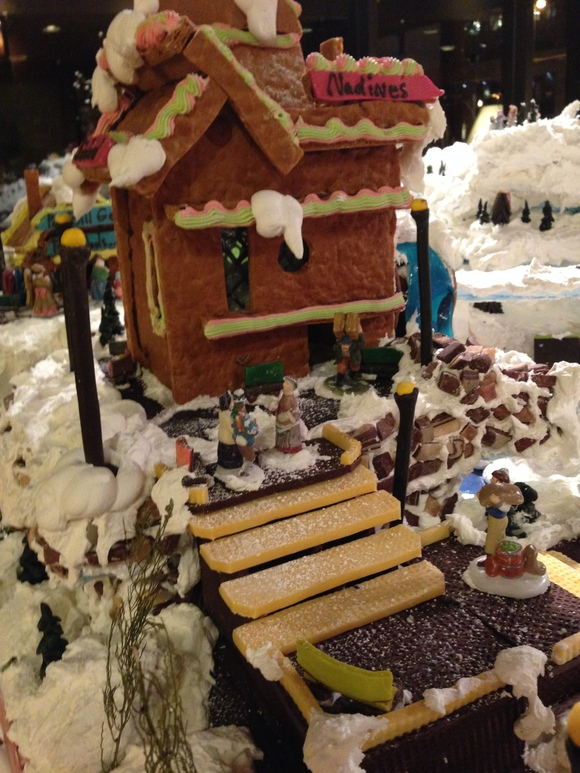 Gingerbread Village_b0135948_1191655.jpg
