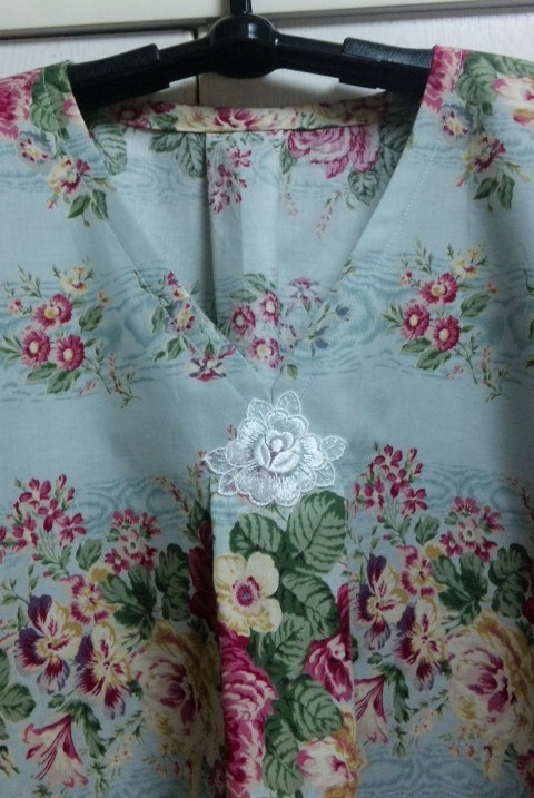 授乳用の花柄洋服_c0316026_18073661.jpg