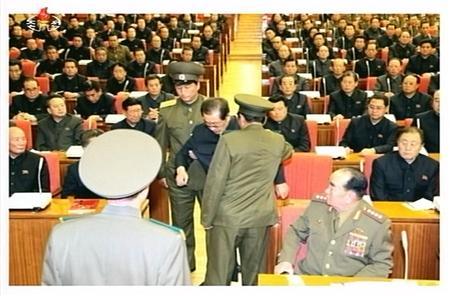 拷問、犬刑、密告、政治収容所 恐怖支配強まる金正恩の北朝鮮_b0064113_1384910.jpg