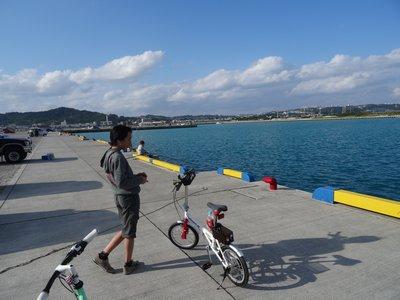 自転車で散策_f0178416_22463962.jpg