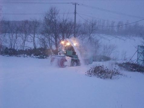 今季初のロータリー除雪車!_d0072917_19112025.jpg