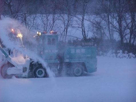 今季初のロータリー除雪車!_d0072917_19115083.jpg