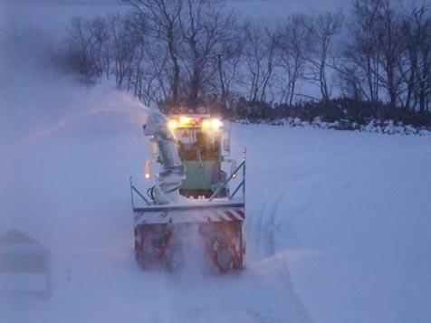 今季初のロータリー除雪車!_d0072917_19121962.jpg