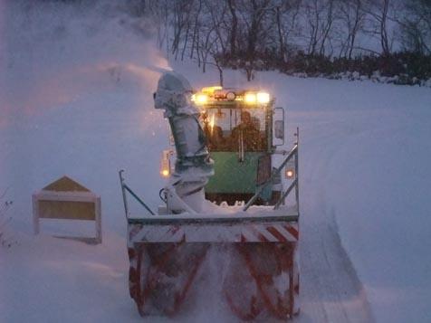 今季初のロータリー除雪車!_d0072917_19125159.jpg