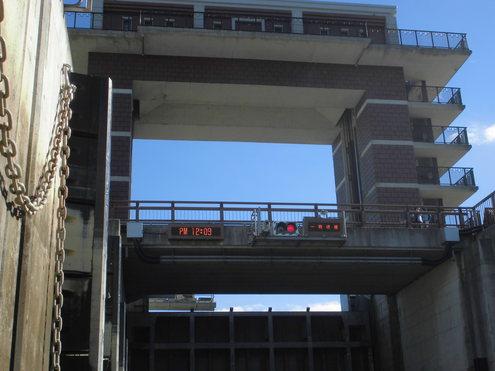 水門からスタ-ト_c0249569_12212940.jpg