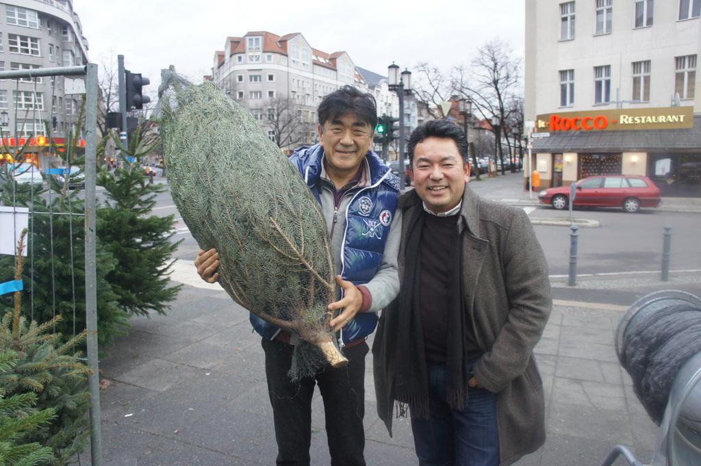クリスマスツリー、調達。_c0180686_18461986.jpg