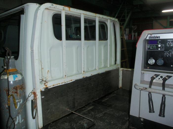 トラック荷台の収納棚製作_a0210112_1838685.jpg