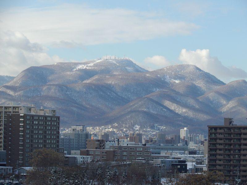 冬至2日後ついに太陽が山に沈む瞬間に立ち会う_c0025115_193656.jpg