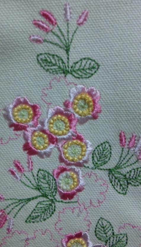 桜の刺繍_c0316026_21450731.jpg