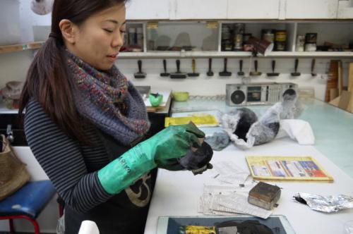 グランビルアイランドで日本人銅版画作家の作品と出会う♪_d0129786_15131675.jpg
