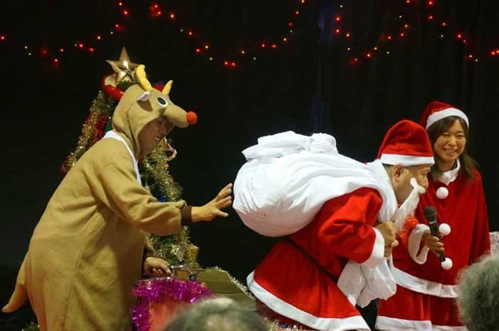 クリスマスパーティー_e0016894_12101572.jpg