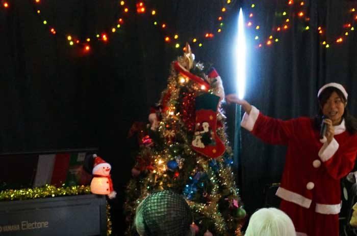 クリスマスパーティー_e0016894_1292048.jpg