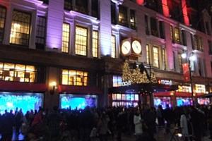 NYの「クリスマスの聖地」、老舗デパートのメイシーズ(Macy\'s)_b0007805_4562154.jpg
