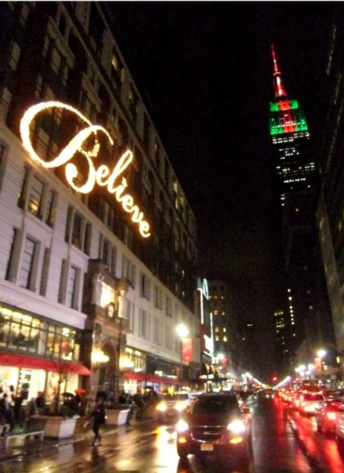 NYの「クリスマスの聖地」、老舗デパートのメイシーズ(Macy\'s)_b0007805_4574758.jpg