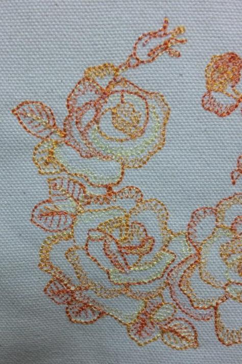薔薇の段染め刺繍_c0316026_21273852.jpg