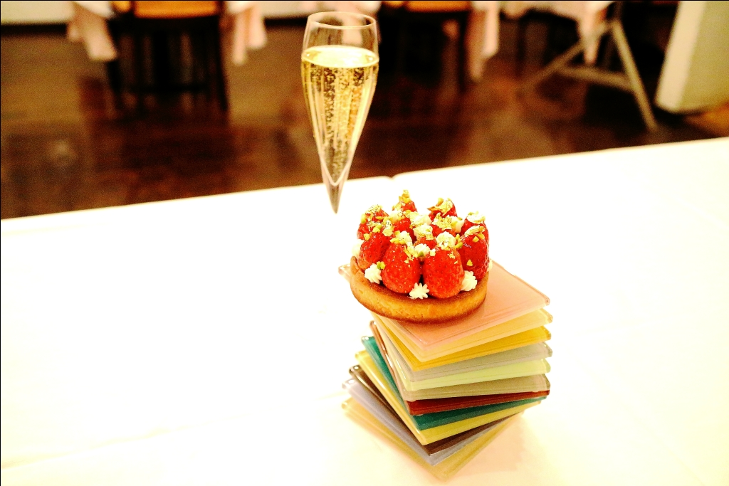 Tartelette aux fraises  苺のタルトレット_f0303590_2301458.jpg