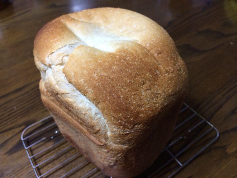 焼き立てパン_c0128818_2035228.jpg