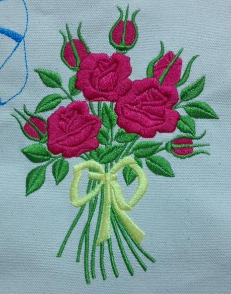 ジェルネイルの魅力と薔薇の花束刺繍_c0316026_21292979.jpg