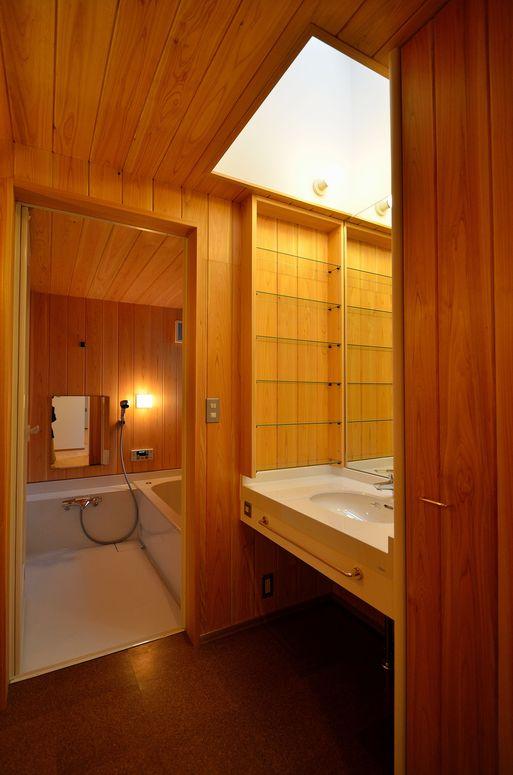 Fさんの家 「とりあえず」完成(6) 洗面・浴室_a0039934_17382414.jpg
