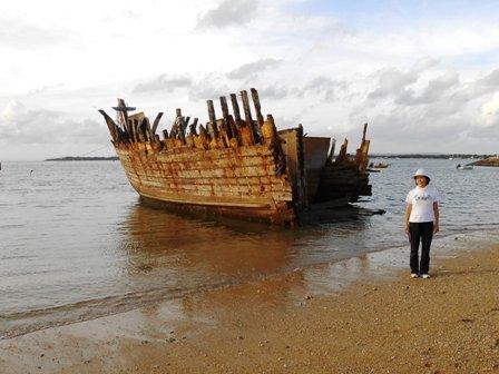 座礁船、難破船の呈_d0083068_1016246.jpg