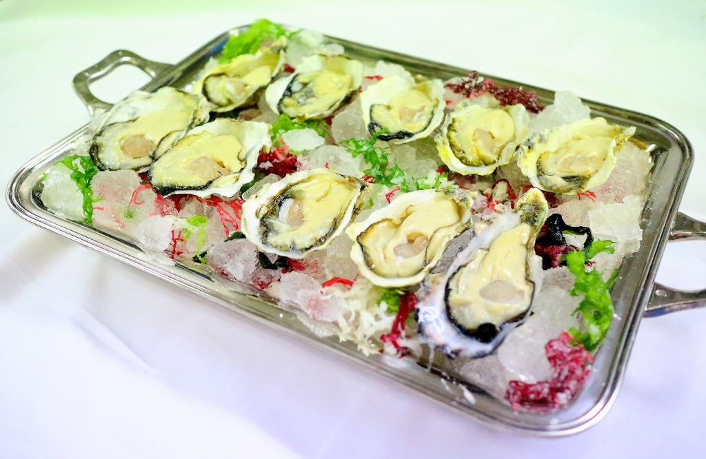 Des huîtres   牡蠣_f0303590_2256432.jpg