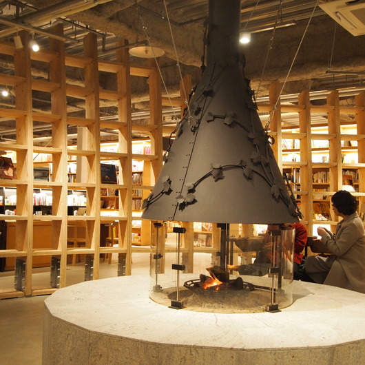蔦屋書店の暖炉は_a0292194_039395.jpg