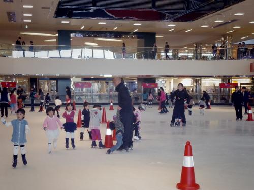 子供たちの太古でのスケートレッスンとスケートショー_e0123104_1542212.jpg