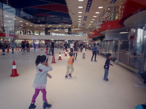 子供たちの太古でのスケートレッスンとスケートショー_e0123104_1543155.jpg
