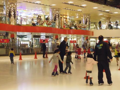 子供たちの太古でのスケートレッスンとスケートショー_e0123104_1546125.jpg
