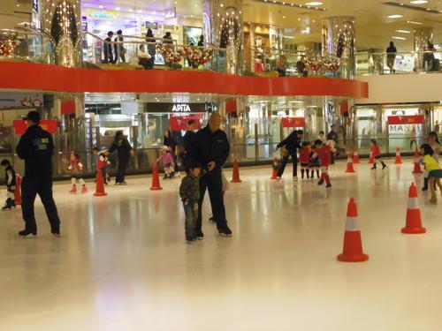 子供たちの太古でのスケートレッスンとスケートショー_e0123104_1547038.jpg