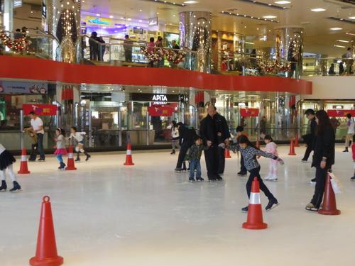 子供たちの太古でのスケートレッスンとスケートショー_e0123104_15481541.jpg