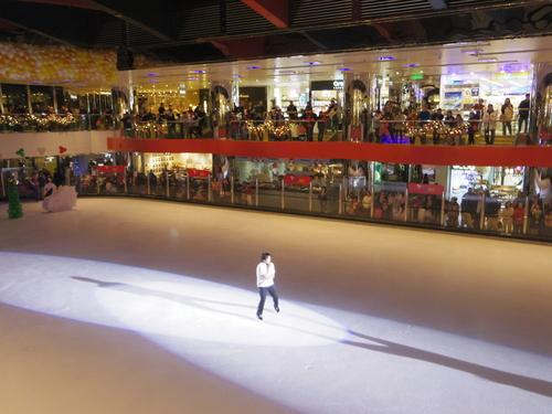 子供たちの太古でのスケートレッスンとスケートショー_e0123104_15574854.jpg