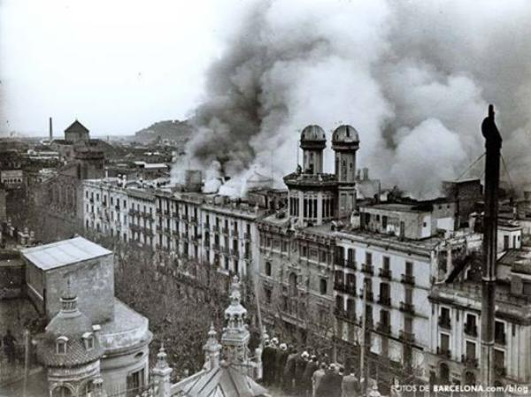 デパート El Sigloの火災_b0064411_3491679.jpg