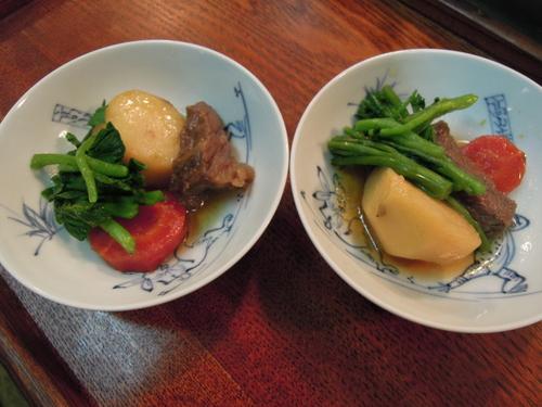 煮物 (五泉里芋 京にんじん 牛肉 菜花)_e0116211_8281192.jpg
