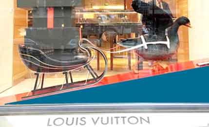 LOUIS VUITTON &  アフラック /  ?! へんな?広告   その17_b0003330_20103753.jpg