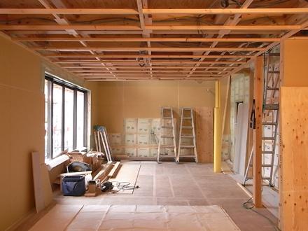 『プールサイドの家』 内装工事が進行中。_e0197748_1622895.jpg